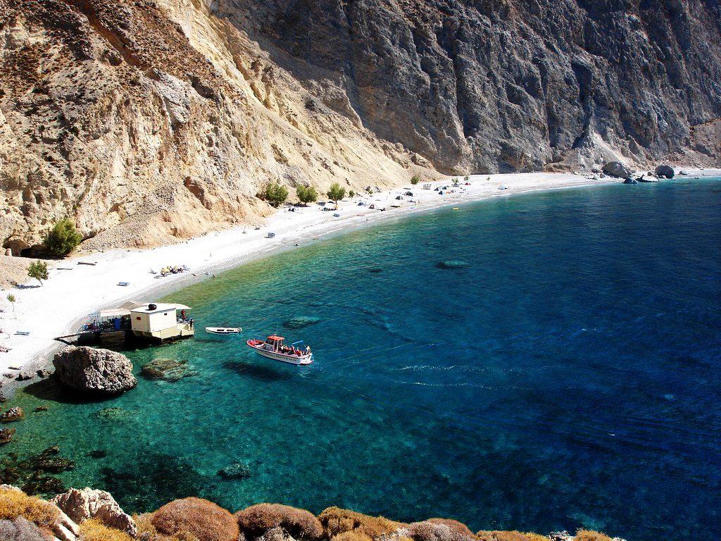 Glyka Nera beach